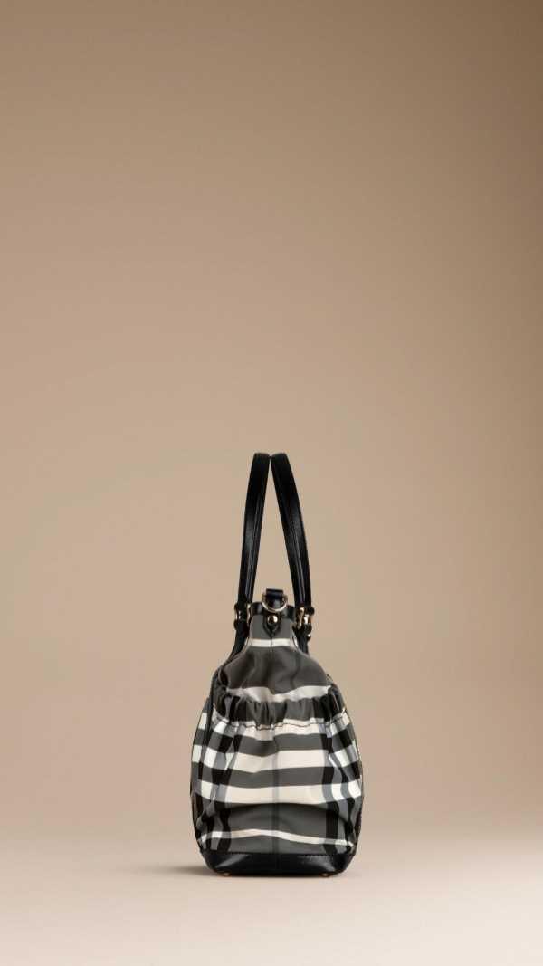 burberry-childrenswear-aw-2013-2014-8