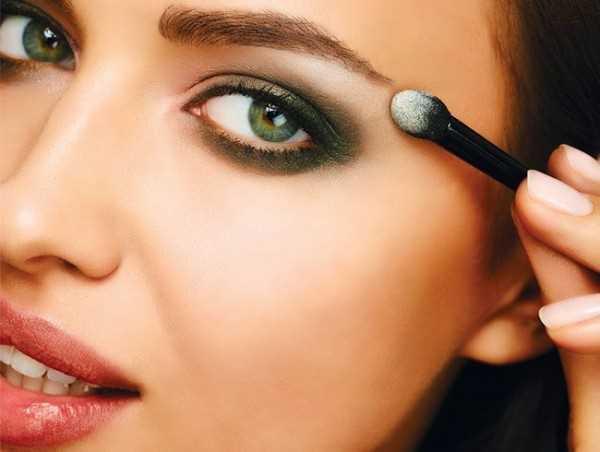 irina-shayk-make-up-2013-2014-5