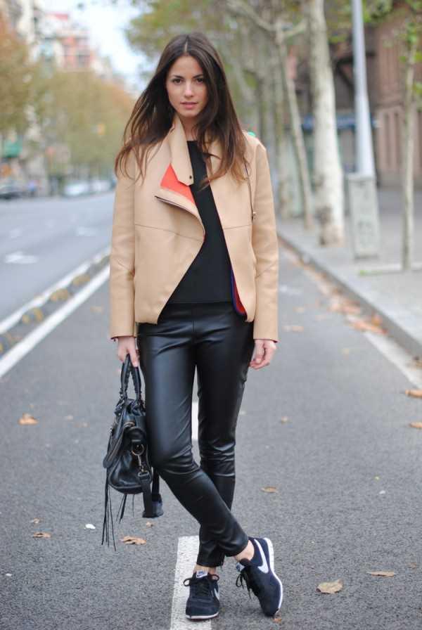 Как и с чем носить кроссовки модно