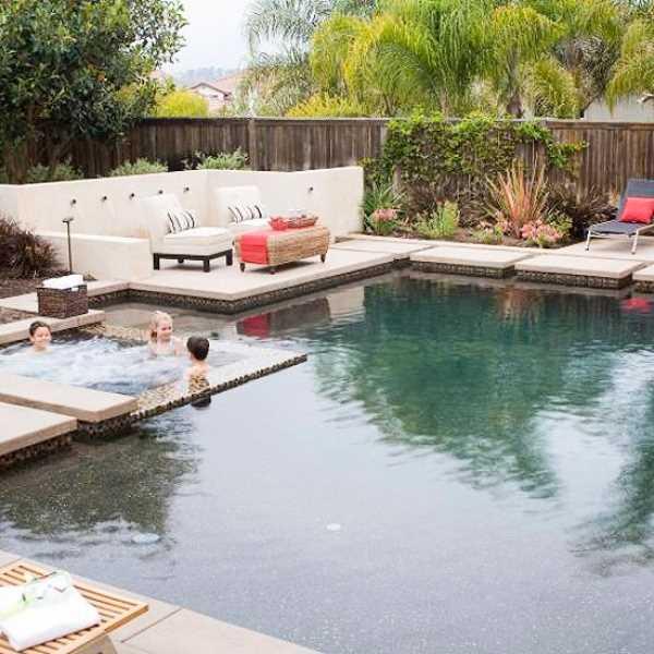 10 интересных идей по оформлению бассейна на участке