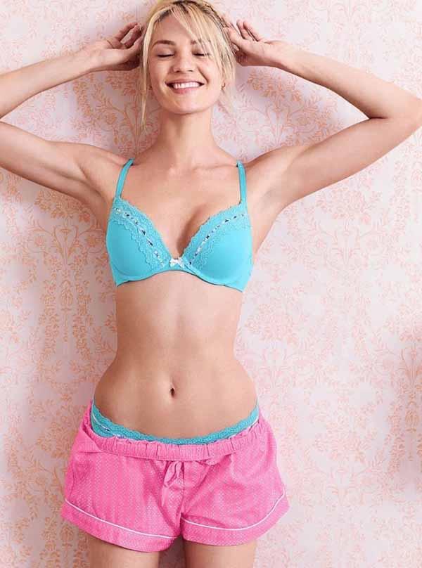 Candice Swanepoel в  съемке белья от Victoria's Secret