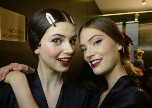 Бэкстейдж с показа Dolce & Gabbana