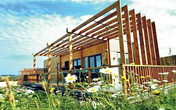 cornwall-modern-design-eco-friendly-house