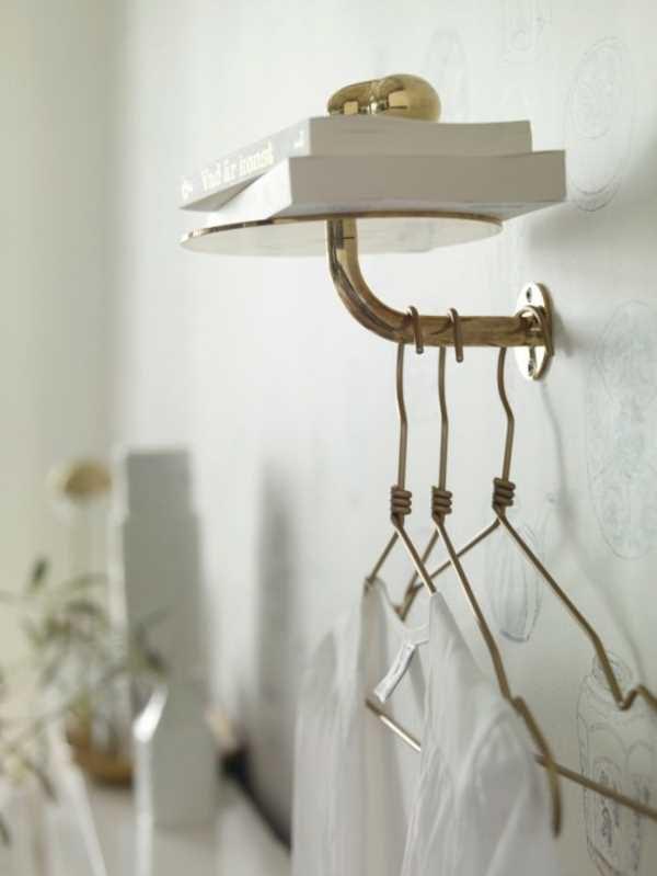 Дизайн спальни в бело-золотых тонах