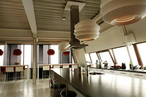 big-kitchen-minimalist-interior-lighting