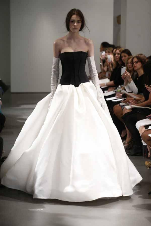 monochrome-bridal-dresses-2014-by-vera-wang-2