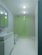 neon-wet-room