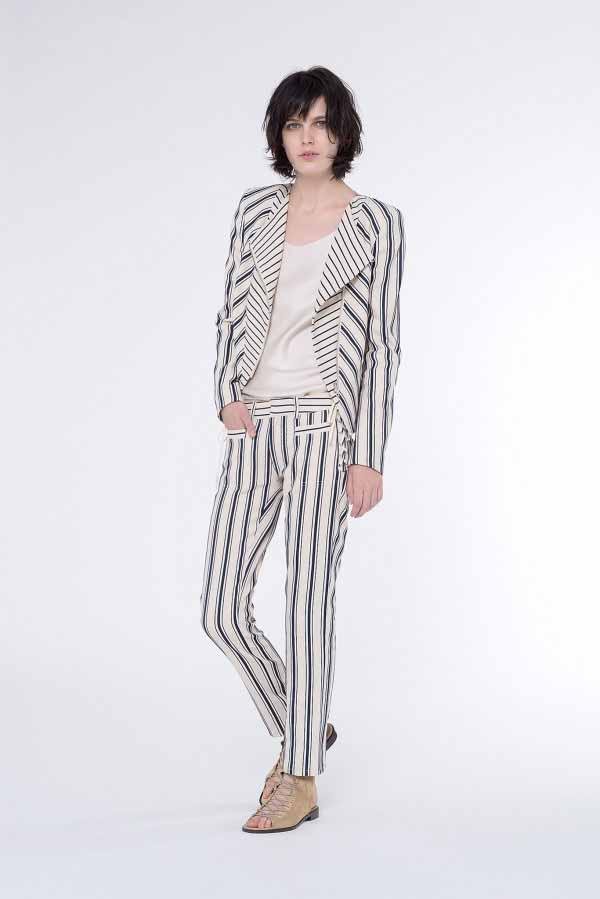 bd5596a12de34 Богатый ассортимент женской одежды от Vanessa Bruno