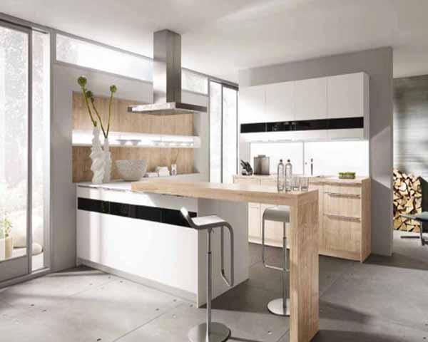 Современная кухня в белом цвете