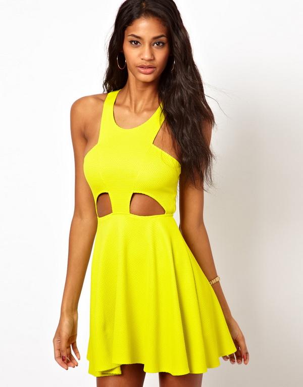 Лучшие летние платья с вырезами 2013