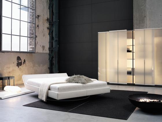 Стильные наборы мебели для спальни в современном доме