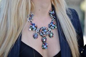 Крупное ожерелье - стильное украшение
