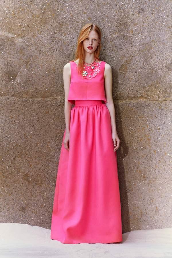 А сегодня, я хочу поделиться с вами подборкой самых красивых длинных макси платьев, которые будут самыми востребованными для сезона весна-лето 2015 года