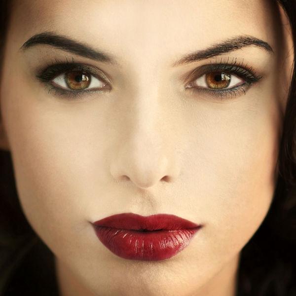 Самые главные ошибки женщин при нанесении макияжа