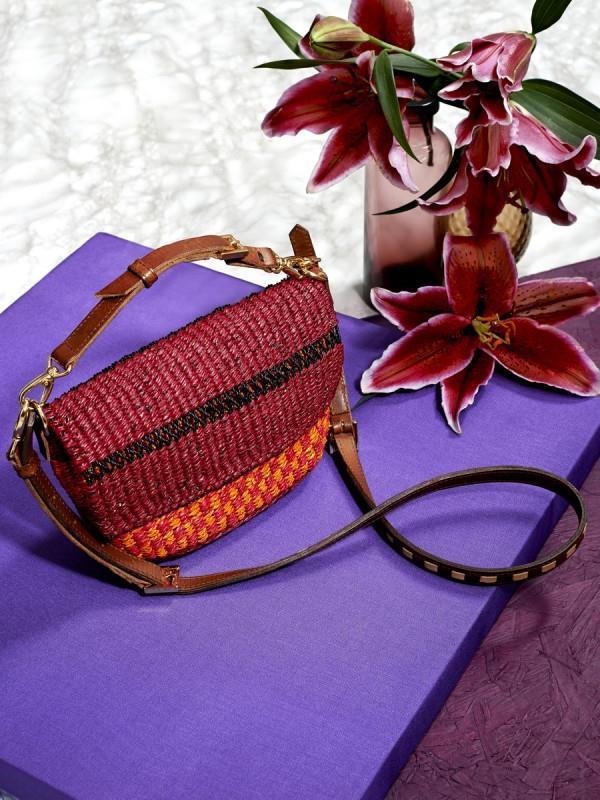 Коллекция плетеных сумок из рафии 2016 от бренда AAKS