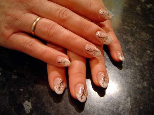 14225__600x1240_floral-wedding-nail-art14 Идеи свадебного маникюра в цветочной тематике