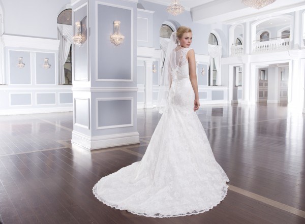 Lillian-West-Wedding-Gowns-2014-Collection-5-600x441 Все коллекции свадебных платьев